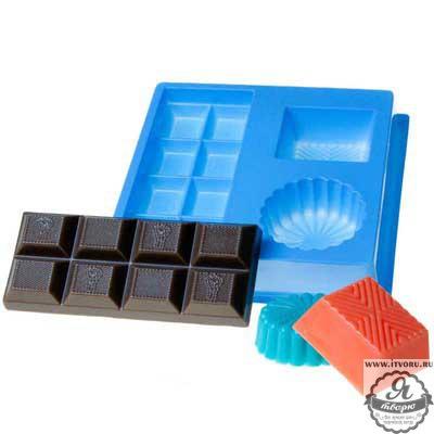 Форма профессиональная для изготовления мыла МК Шоколад Выдумщики 688758-7Материалы для создания мыла<br>Размер и примерный вес готового мыла: Плитка шоколада - 4,5х10,5 см, 55 г; Конфета круглая - 4,5х4,5 см, 20 г; Конфета прямоугольная - 4х3,5 см, 25 г. Профессиональная форма имеет удобный ложемент, который позволяет зафиксировать форму на столе без дополнительных приспособлений.<br><br>Материал: Пластик<br>В состав набора входит: 3 формы на одном ложементе: Плитка шоколада, Конфета круглая, Конфета прямоугольна