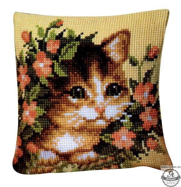 Набор для вышивания крестом подушки Котенок в цветах Vervaco 0008527-PN