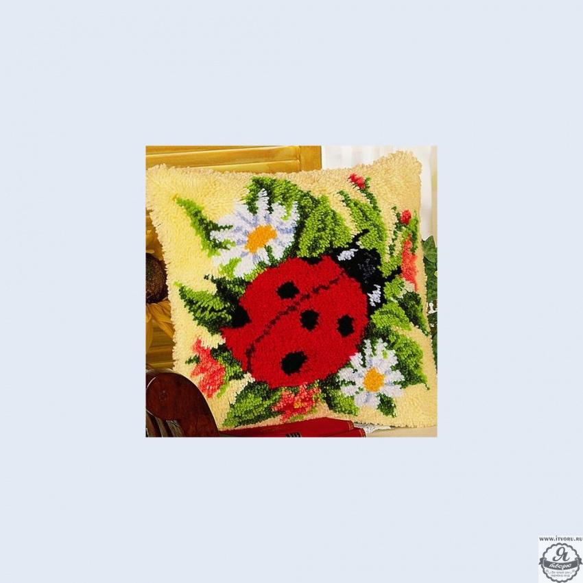 Набор для вышивания крестом подушки Божья коровка Vervaco 0008586-PN