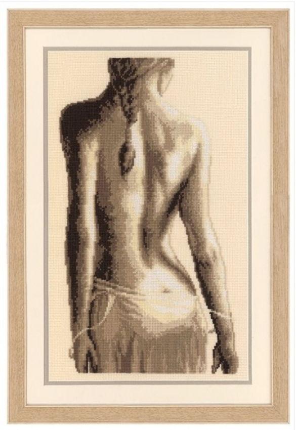 Эротическая черно белая картинка девушка привязана к кровати была высокой