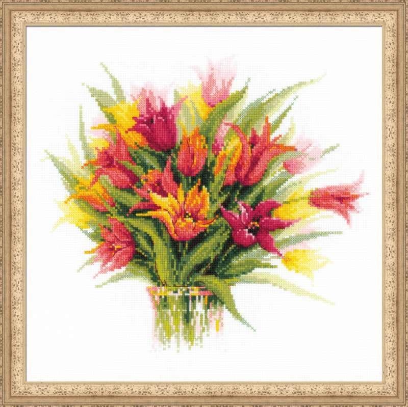 Ваза с тюльпанами вышивка 84
